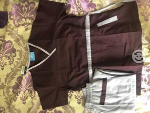 Se venden uniformes quirúrgicos