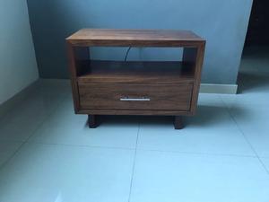 vendo base para tv fabricada en madera de salam excelentes