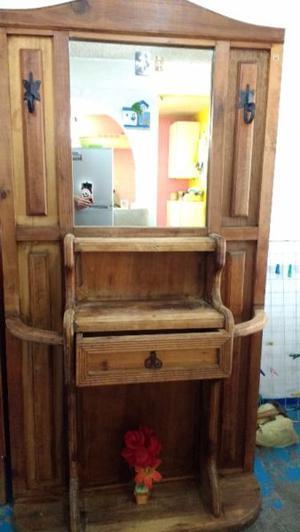 Se vende Tocador de madera