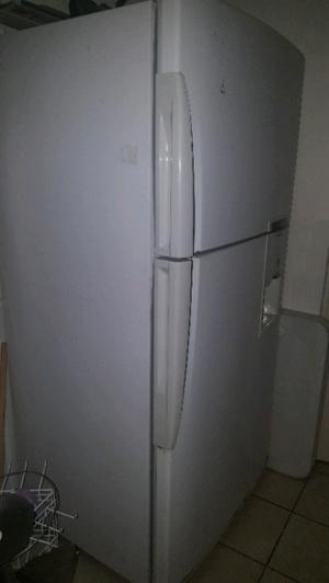 refrigerador 1.70 mts muy buen estado  pesos cel