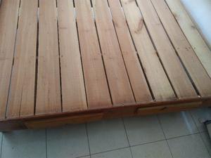 Base de madera matrimonial con dos cajones incluyo colchón
