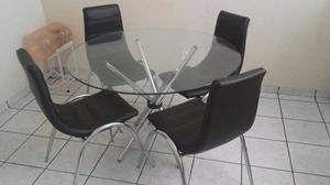 Comedor de vidrio con 4 sillas