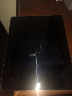 iPad 2 de 16 GB en color negra con cover y protector trasero