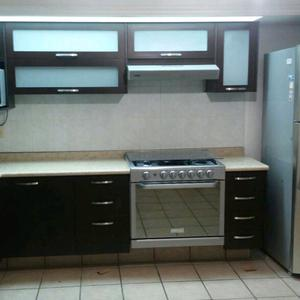 Cubiertas de resina para cocina integral posot class for Cocinas integrales esquineras