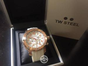 Reloj Tw Steel Grandeur Tech Blanco