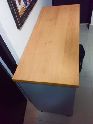 Escritorio ejecutivo color madera natural de 2 piezas