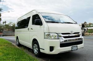 Renta de camioneta Hiace Toyota