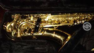 Saxofón Tenor Mercury c/estuche rígido