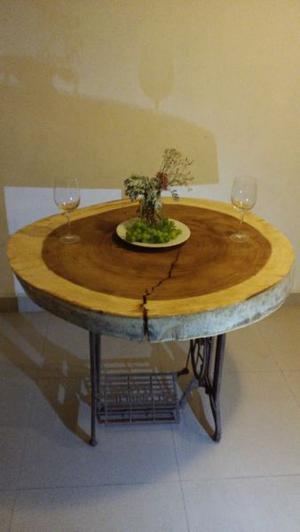 mesa de parota con base de maquina de coser