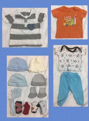 Se vende lote de ropa para bebe