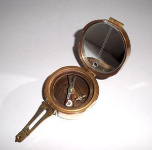 Antigua Brújula Compas Marítima Natural Sime de bronce