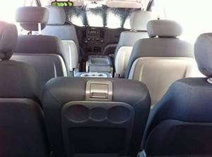 renta camioneta 10 pasajeros