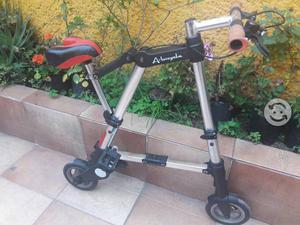Bicicleta marca A-bike es ligera y compacta