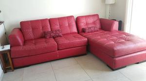Sala roja, dos piezas