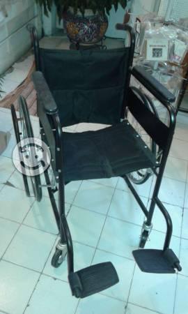 Vendo silla de ruedas nueva
