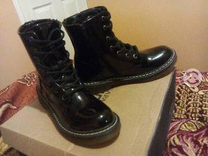Botas color negro