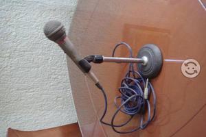 Microfono con base de Metal profesional Mca. AUTEC