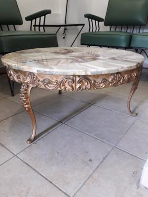 Mesa antigua vintage retro de marmol