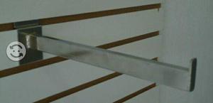 Mensula para entrepaño panel ranurado
