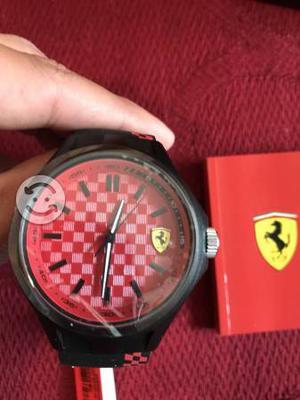 Reloj Ferrari color Rojo o blanco