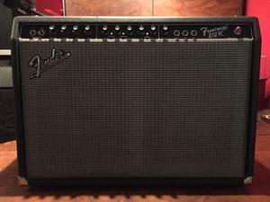 Amplificador Combo Para Guitarra o Bajo Quinto Fender Modelo
