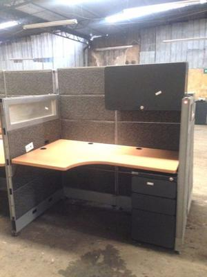 Credenza para oficina con sillon posot class for Muebles de oficina puebla