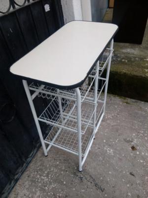 mueble para la fruta de metal en buenas condiciones