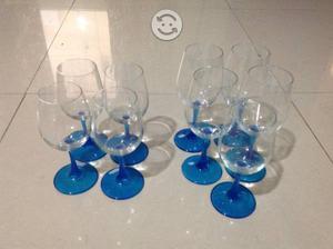 Juego de copas de vino con base azul de cristal
