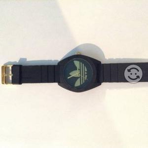 Reloj Originals Adidas Negro con Dorado