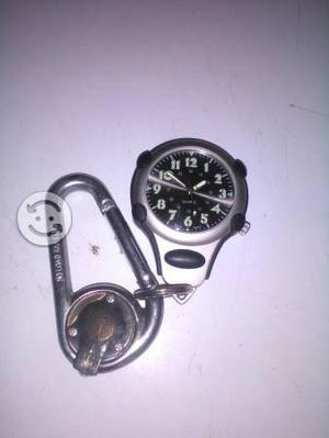 reloj con porta llaves y luz