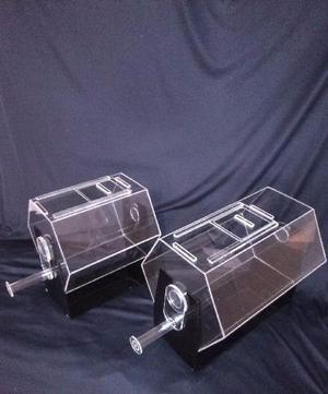 Tombolas y podium en acrilico