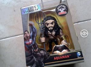 Dc comics. aquaman. figura metalica, nueva