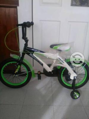 Se vende bonita bici benotto NUEVA