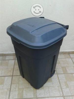 Bote para basura con llantas