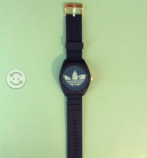 Reloj Adidas Negro con Dorado Nuevo