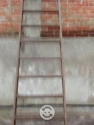 Escalera de Fierro con ángulo