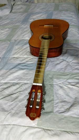 Guitarra Nueva sin usar