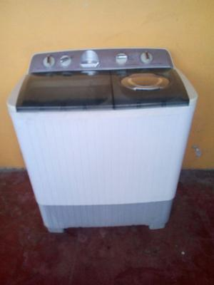 Impecable lavadora FRIGIDARE 11 KG SEMINUEVA MUY POQUITO USO