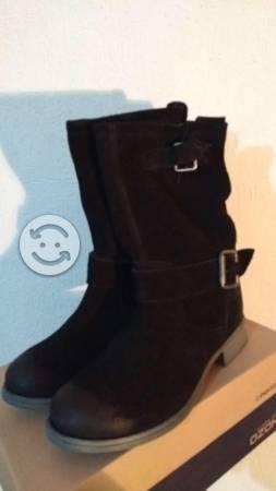 Botas de gamuza No.4 nuevas