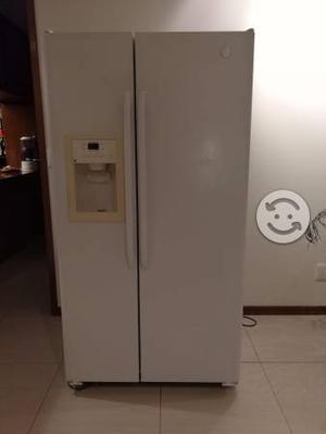 Refrigerador Ge Duplex De 1.76m De Alto Y 541 Lts