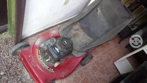 Podadora de gasolina para reparar