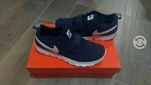 Tenis Nike nuevos talla 27
