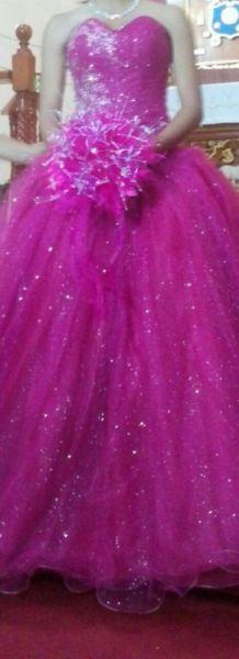 Vestido de XV AÑOS SEMI NUEVO