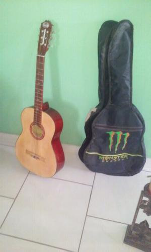 Gitarra acustica grande