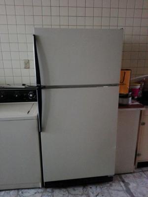 Refrigerador de 20 pies en excelentes condiciones.