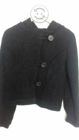 Abrigo corto de fieltro negro