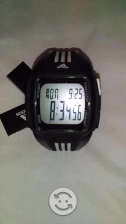 Reloj adidas negro