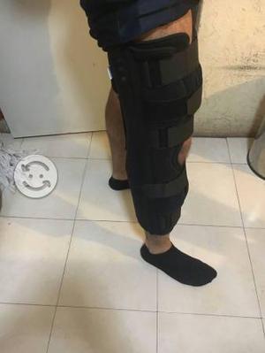Inmovilizador de rodilla universal de tres paneles