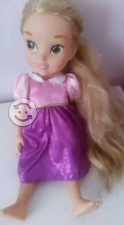 Vestido y muñeca para niñas