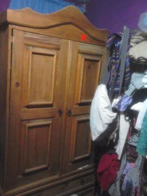 armario de madera rustico